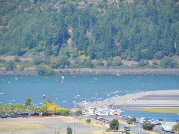 Located Downtown With Columbia River Views  Walk Everywhere!