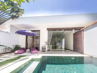 Photo for House 894 m from the center of Kuta with Internet, Pool, Air conditioning, Parking (1015272)