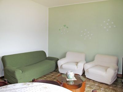Photo for Cosy apartment for 5 people with WIFI, TV, balcony and parking