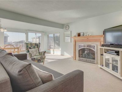 Photo for Bright Single-Level with Wrap Deck and Ocean Views in Roads End