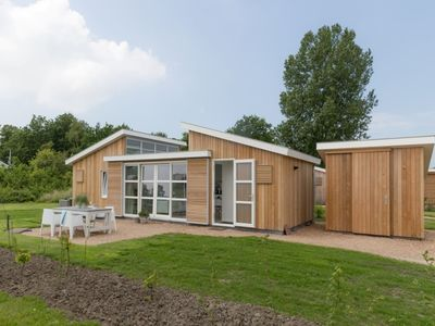 Photo for Beautiful light and spacious chalet with 'Beachstyle' furnishing.