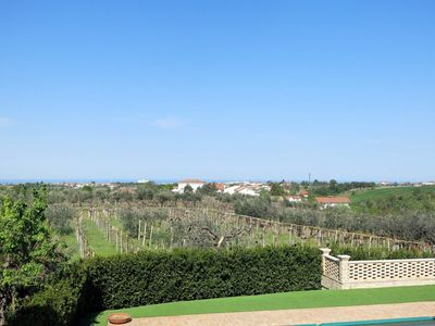 Photo for Lovely apartment in villa for 4 people with pool, TV and parking