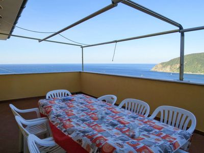 Photo for 3 bedroom Apartment, sleeps 6 in Moneglia with Air Con and WiFi