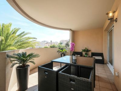 Photo for Spacious 4-room apartment with pool in Cannes !!