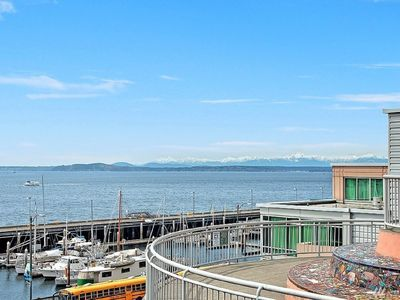 Photo for 1BR Condo Vacation Rental in Seattle, Washington