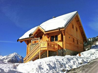 Photo for Luxurious chalet with jacuzzi, steam bath and free Wi-Fi 250 m from the gondola