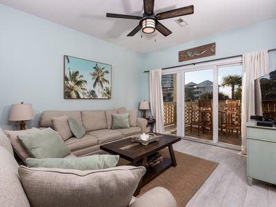 Photo for Stunning Condo with Partial Bay View! Onsite Fishing Dock, Across from Beach, Pool Onsite!