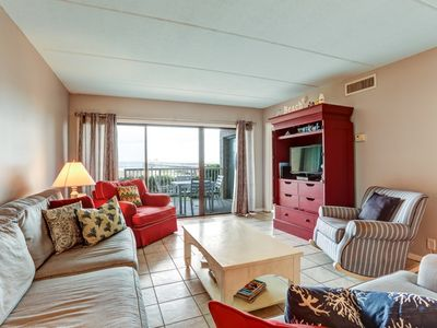 1st Floor 2 Bed/2 Bath Oceanfront condo sleeps 6.   W/D, pool, tennis and private fishing pier!