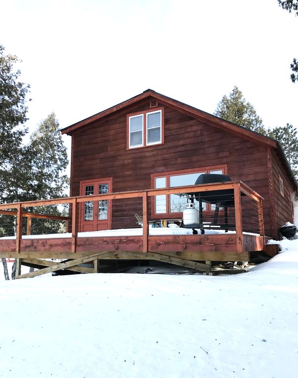 Inviting 3 Bedroom, 1 1/2 Bathrooms Log Cabin On White