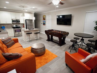 NEAR STREETCAR LINE! NEW LOCATION!! BOOK NOW! 5 minutes from FRENCH QUARTER!