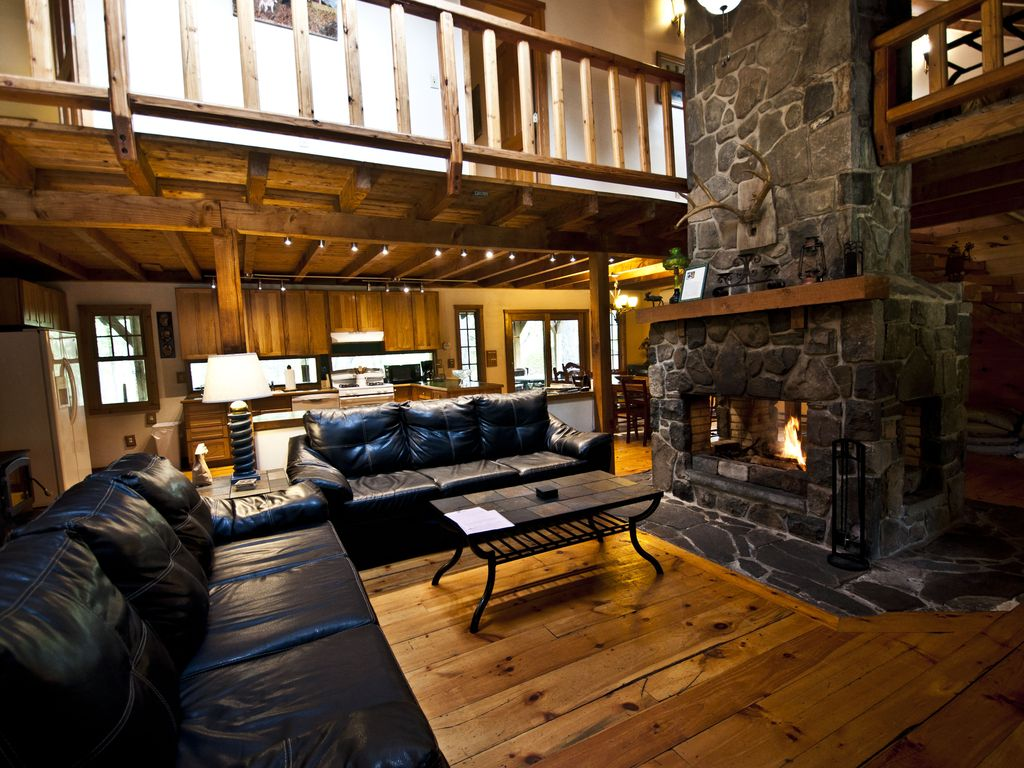 gorgeous log lodge on 10 acres huge homeaway dingmans ferry