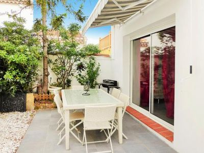 Photo for Terraced house, Saintes-Maries-de-la-Mer  in Camargue - 6 persons, 2 bedrooms