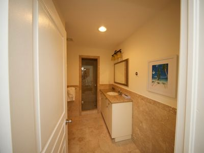 Photo for Comfortable 1 Bedroom Junior Suite with Resort Amenities