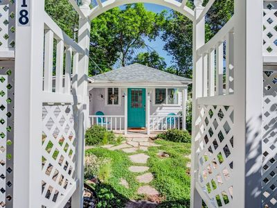 Photo for 1BR♥Colorado Cottage Charm♥Hiking and Broadmoor
