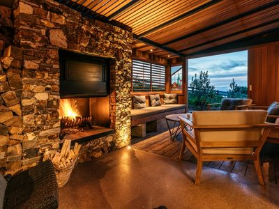 Photo for BELLE COVE LODGE and SUITE:  Coast and Country