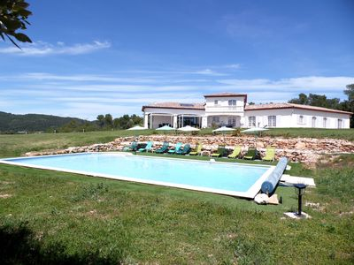 Photo for Villa 18-20 guests + swimming pool over 3.7 ac in Provence