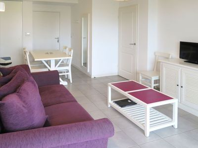 Photo for Nice apartment for 6 guests with pool, WIFI, TV, balcony, pets allowed and parking
