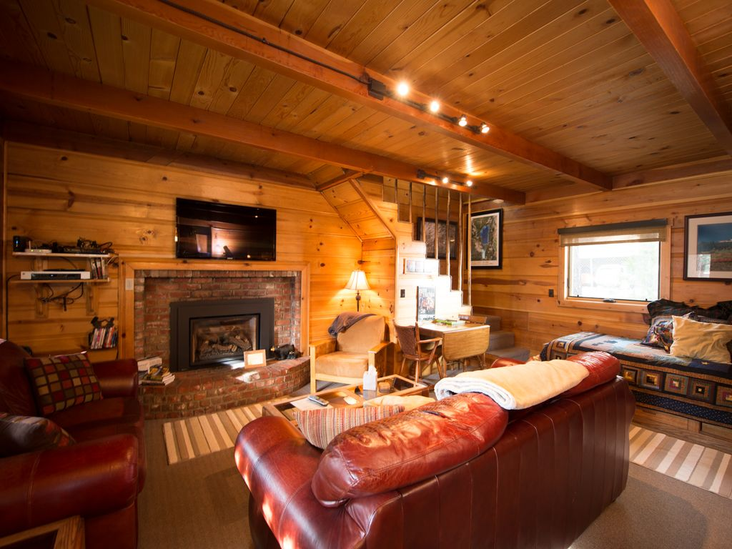 2br charming mountain cabin private hot tub south lake for South lake tahoe cabins near casinos