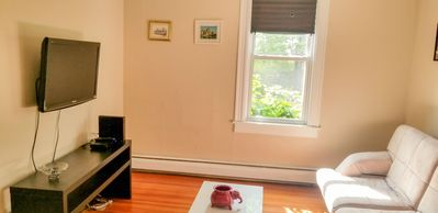 Photo for Beautiful 2 bedroom minutes from Boston & Hospitals!!