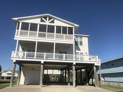 'Pirates getaway' newly renovated house with a five minute walk to Pirates beach