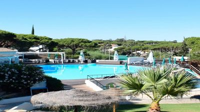 Photo for 2 bedroom Apartment, sleeps 4 in Vale do Lobo with Pool and Air Con