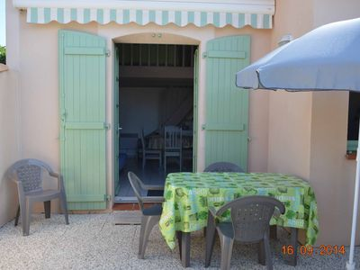 Photo for In a residence with 2 swimming pools, nice holiday home, terrace, parking