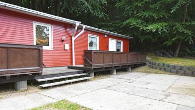 "Photo for Ferienbungalow C - ""Am Wald"" - holiday bungalows on the edge of the beech forest in the Baltic Sea resort of Sellin"
