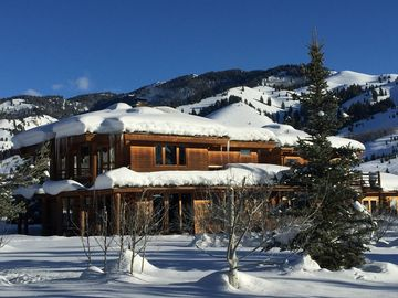 Scenic & Private Log Cabin Luxury - Ketchum + Sun Valley, Idaho Vacation Rental