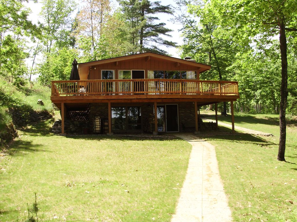 meadow a cabins exterior rent in candlewood house low wisconsin cabin