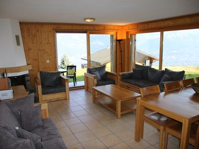 Photo for 4*, 2-bedroom apartment for 6-8 people located in the centre of the resort at about 250m from the sk
