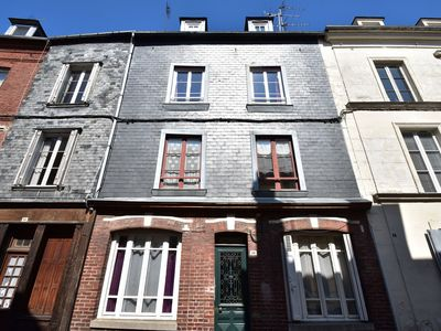 Photo for Comfortable, modernized apartment bad 300m from the famous harbor of Honfleur.