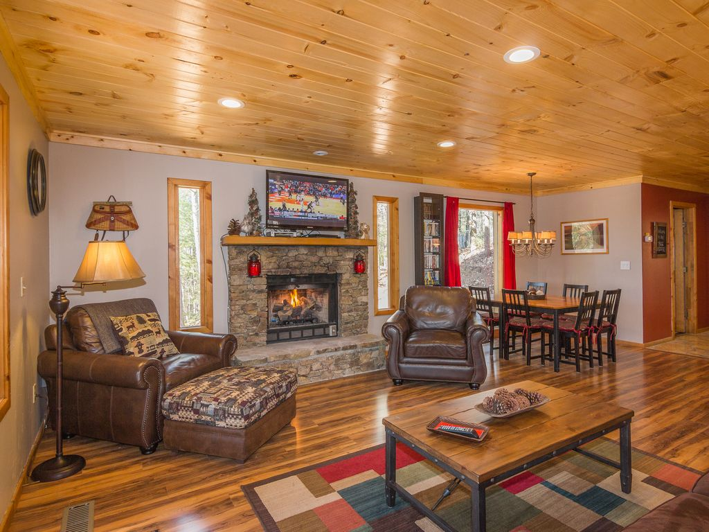 very private 2 miles to parkway king beds h vrbo