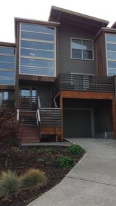 Photo for Best Townhome and Close Location to Downtown Hood River