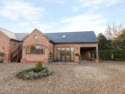 Photo for HONEYPOT COTTAGE, family friendly in Tarporley, Ref 992486