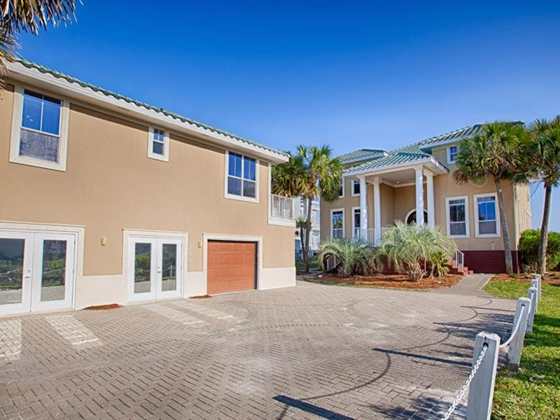 8 bedroom beach home perfect for your family beach getaway for 9 bedroom beach house rental