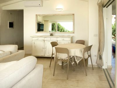 Photo for Nice apartment for 5 people with WIFI, A/C, pool, TV, balcony and parking