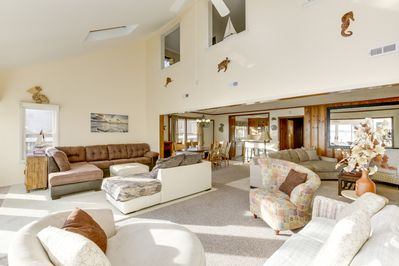 **VERY LARGE GREAT ROOM WITH FIREPLACE