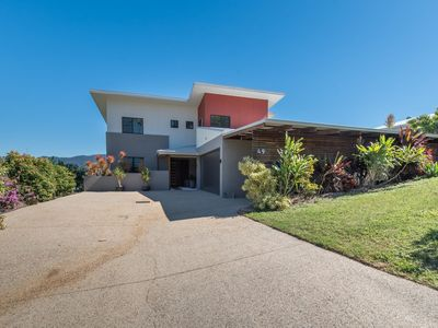 Photo for Beth's Beach House - Cannonvale