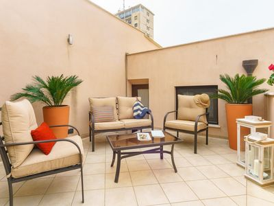 Photo for Penthouse in the historic center with elevator and free internet