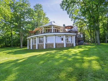 NEW LISTING- Beautiful 6BR/5BA Mountain Home in Bluemont, VA