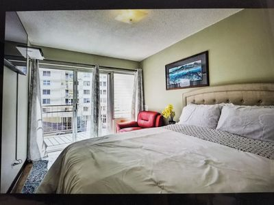 Waikiki Fully Furnished w/pool - walk to beach!