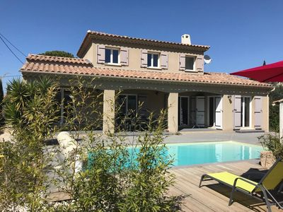 Photo for Beautiful villa in the heart of Alpilles Park