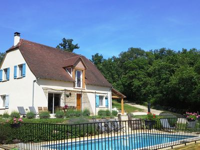 Photo for Rental house in North Lot Loubressac (46) 8à10 people with private pool