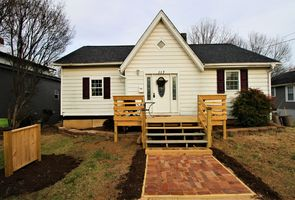 Photo for 2BR House Vacation Rental in Salem, Virginia