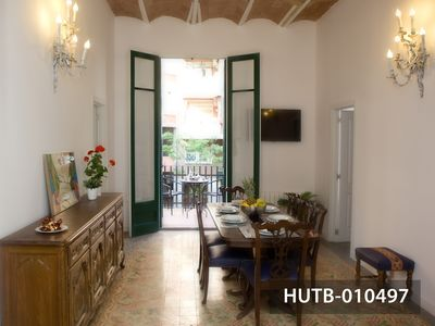 Photo for Charming modernist-style apartment close to Sagrada Familia, Barcelona