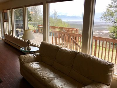 Photo for Alaska at your door, yet just minutes from the Anchorage Airport