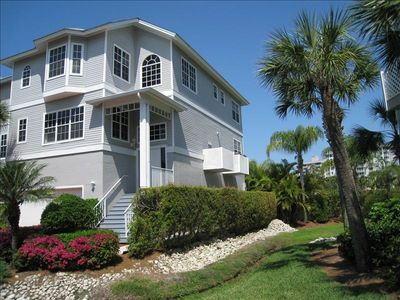 Stunning 2800 sq ft home w/ A/C, 3 beds/3baths and steps to ocean and 2 pools.