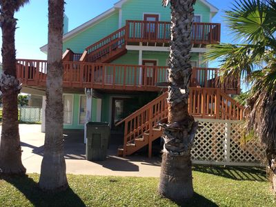 Photo for 3 beds/3 baths, sleep 8-10, private fishing prier, walking distance to the beach