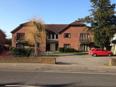 Photo for Attractive Apartment In A Central Surrey Location