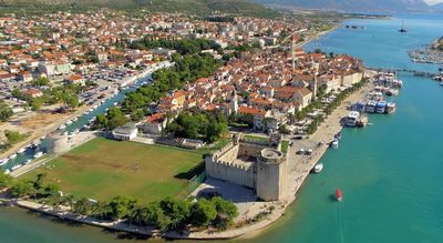 Photo for 2BR Apartment Vacation Rental in Trogir, Dalmatien